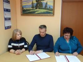 Общественная палата Хабаровского края подписала соглашения о сотрудничестве на выборах